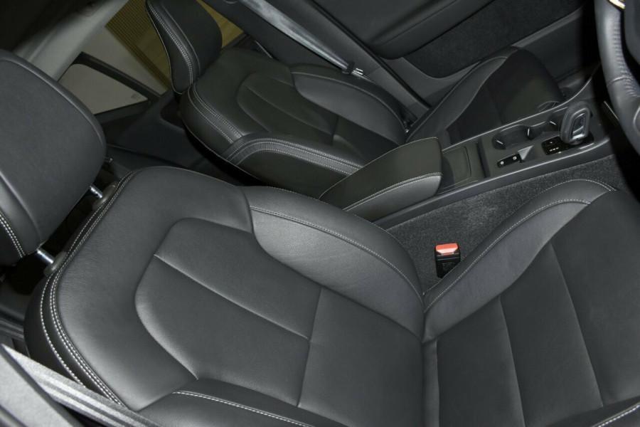 2018 MY19 Volvo XC40 536 MY19 T4 Momentum (FWD) Suv