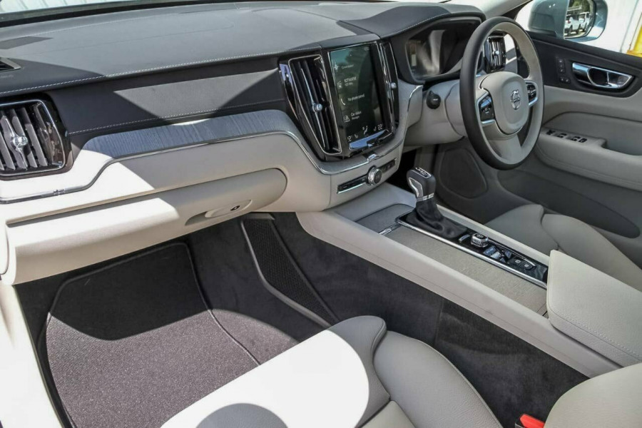 2019 MY20 Volvo XC60 UZ D4 Inscription Suv Mobile Image 7