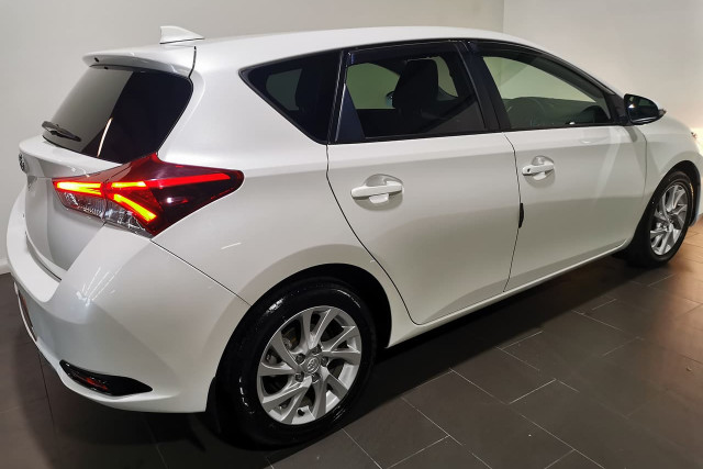 2017 Toyota Corolla ZRE182R Ascent Sport Hatchback Image 3