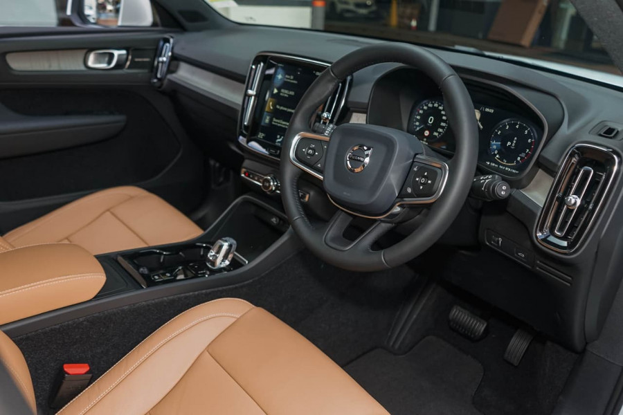 2019 MY20 Volvo XC40 XZ T4 Inscription Suv Mobile Image 4