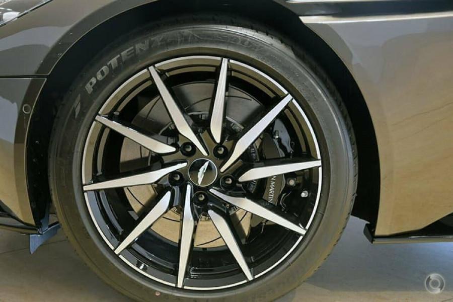 2018 Aston martin Db11 V8 Coupe Image 8