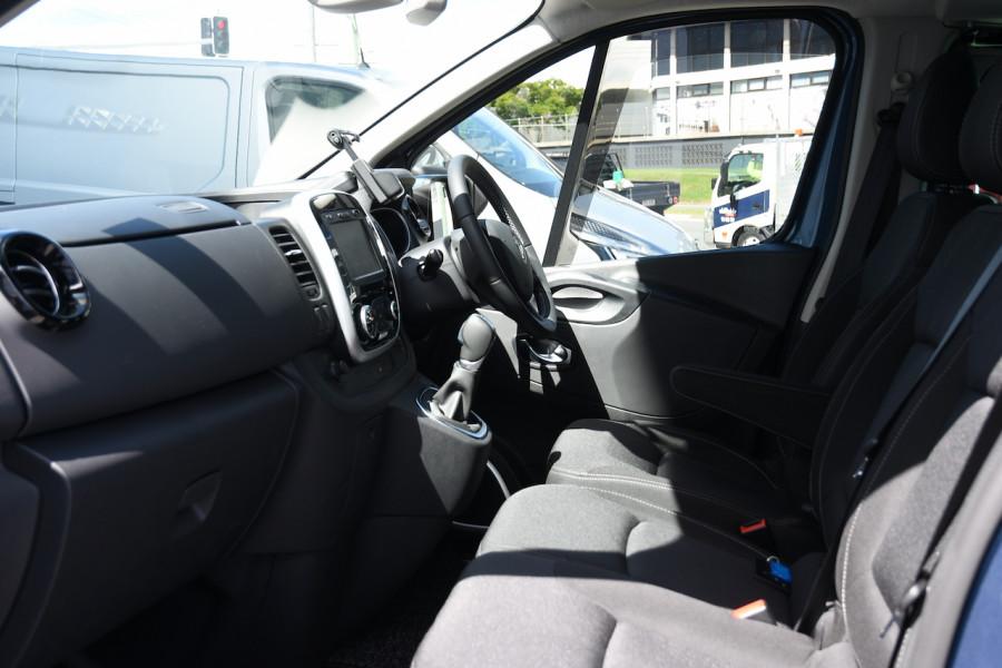 2019 MY20 Renault Trafic L2H1 Long Wheelbase Crew Lifestyle Van Image 6