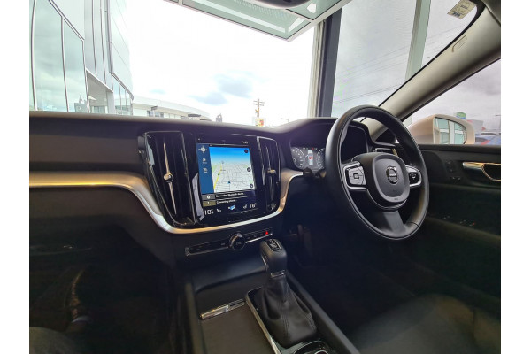 2020 Volvo V60 (No Series) MY20 T5 Momentum Wagon Image 2