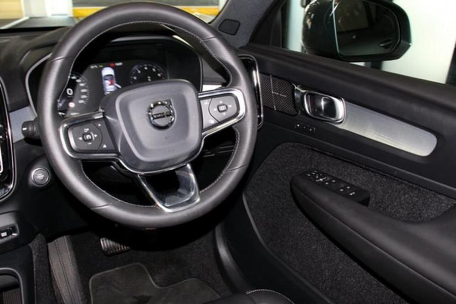 2018 MY19 Volvo XC40 XZ T4 Momentum Suv Mobile Image 11