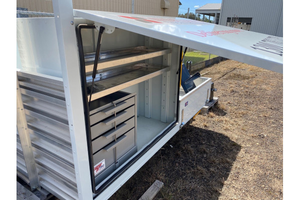 Iveco Aluminium Tray Tray Image 3