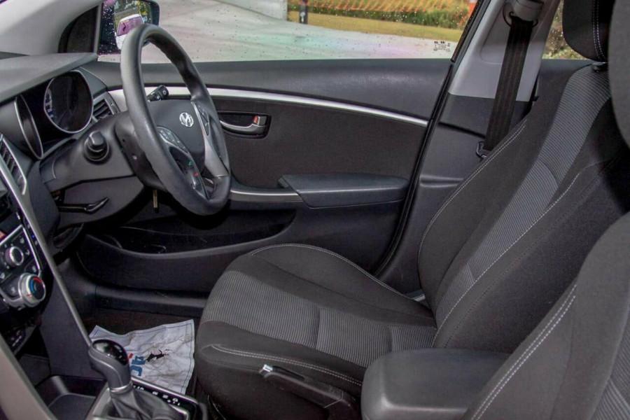 2016 Hyundai i30 GD4 Series 2 Active Hatchback Image 9