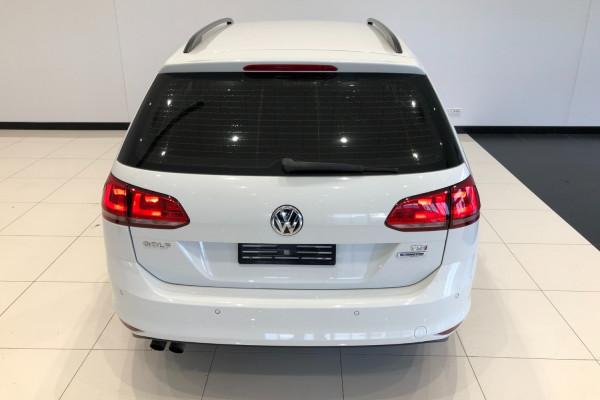 2017 Volkswagen Golf 7 92TSI Trendline Wagon Image 5