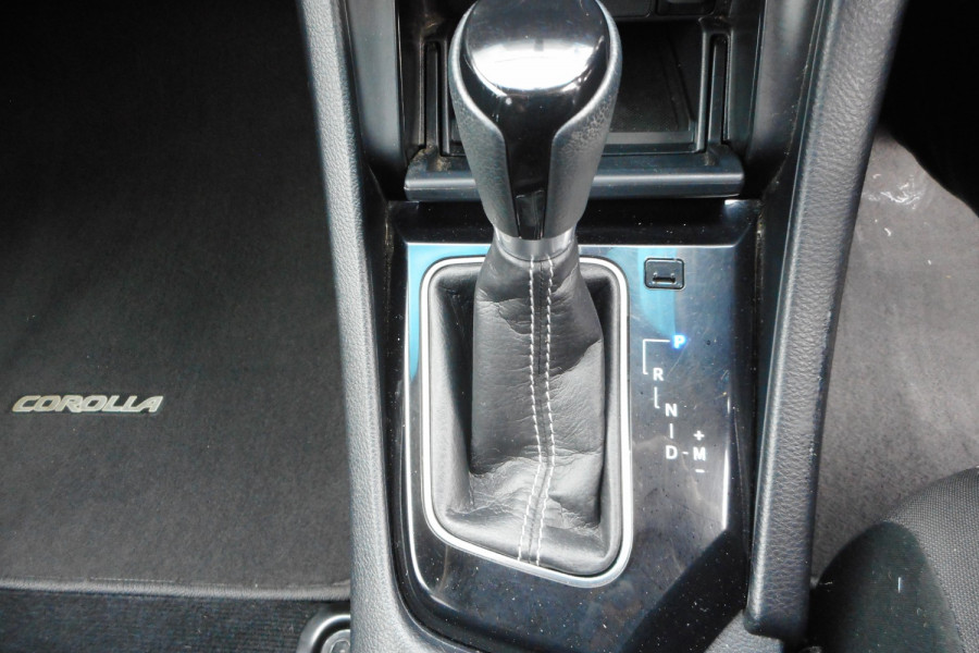 2018 Toyota Corolla ZRE182R Ascent Sport Hatchback Image 17
