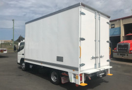 Fuso Canter 515 DELIVERY TRUCK 515 WIDE CAB PANTECH WITH TAILGATE