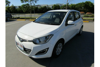2014 MY15 Hyundai i20 PB MY15 Active Hatchback Image 3