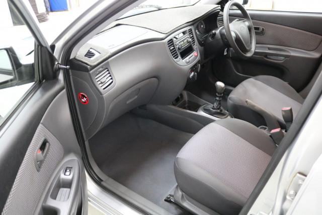2009 Kia Rio JB MY09 LX Hatch Image 5