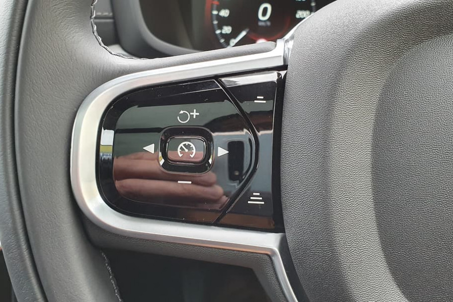 2020 Volvo V60 T5 Inscription T5 Inscription Wagon Mobile Image 22