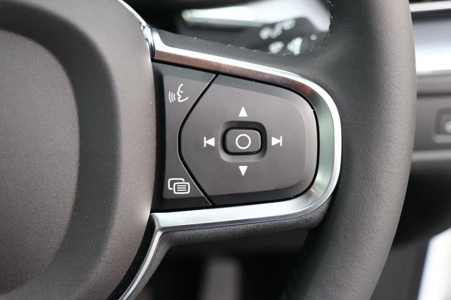 2020 Volvo XC60 UZ T5 Momentum Suv Mobile Image 14