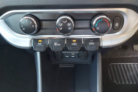 2015 Kia Rio UB  S Hatchback Mobile Image 21