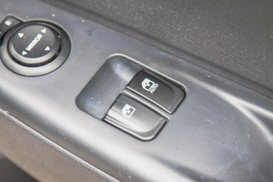 2012 MY12.5 Hyundai i20 PB MY12.5 Active Hatchback Image 13