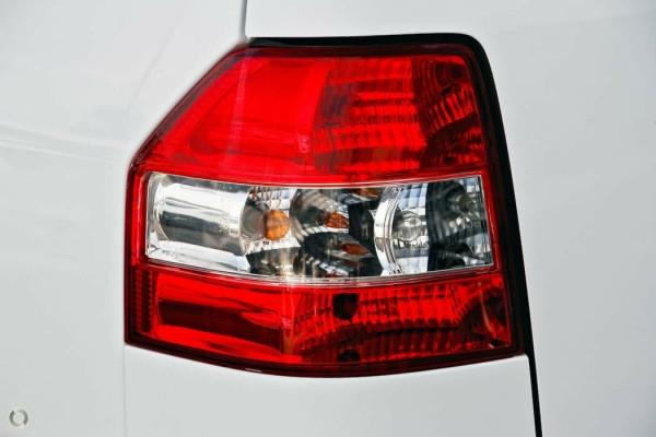 2014 Suzuki APV Van Image 5