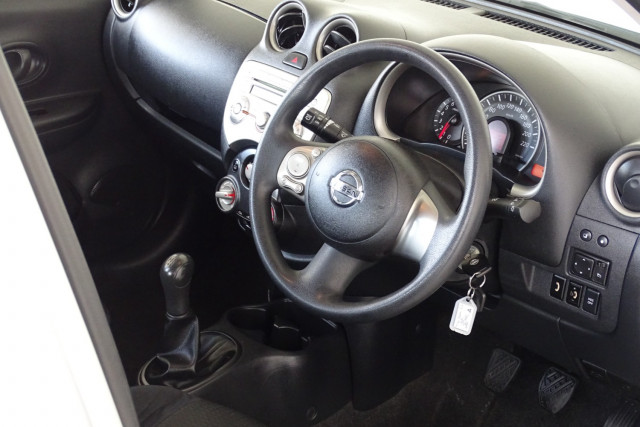 2011 Nissan Micra ST-L 16 of 30