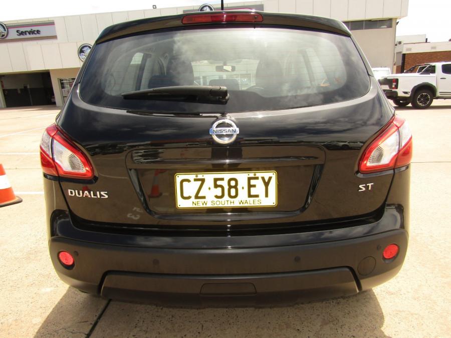 2011 MY10 Nissan DUALIS Hatchback Image 4