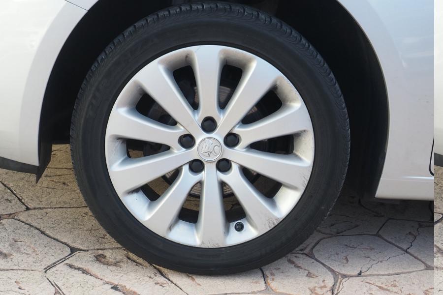 2016 Holden Cruze Vehicle Description. JH  II MY16 EQUIPE HBK 5DR SA 6SP 1.8I Equipe Hatchback