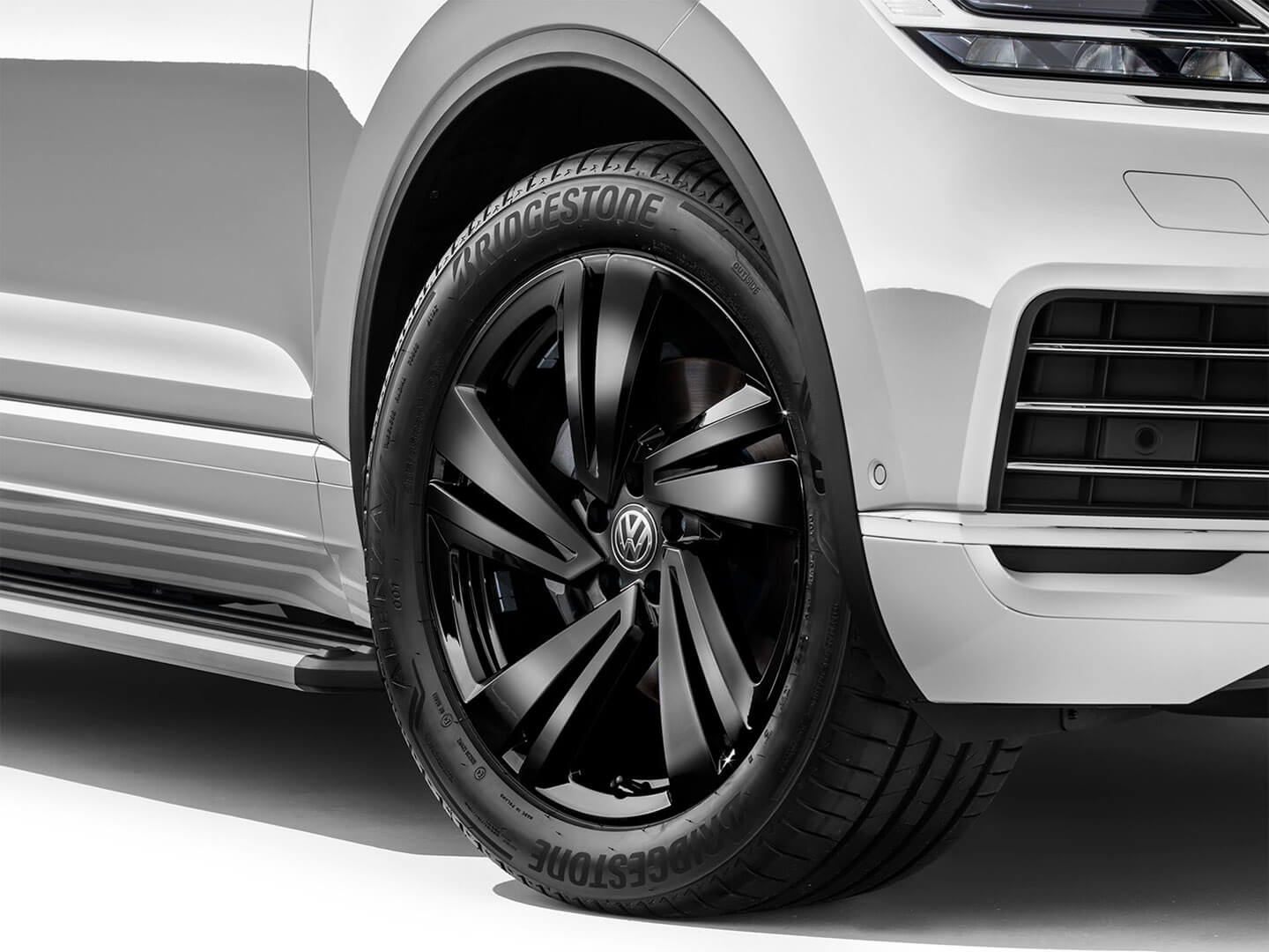 20-inch Nevada <strong>alloy wheel</strong> Image