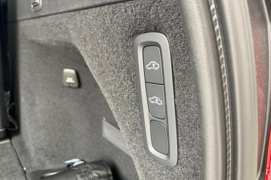 2020 Volvo XC90 L Series T6 R-Design Suv Image 13