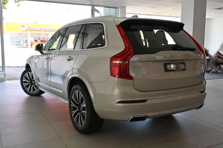 2020 MYon Volvo XC90 L Series D5 Momentum Suv Image 19