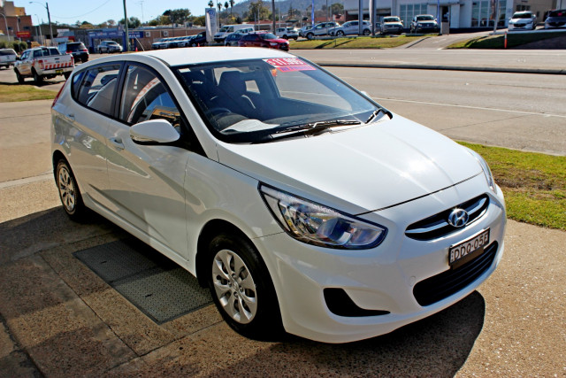 2015 MY16 Hyundai Accent RB3  Active Hatchback Image 4