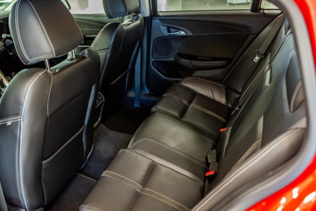 2017 Holden Commodore Wagon Image 27