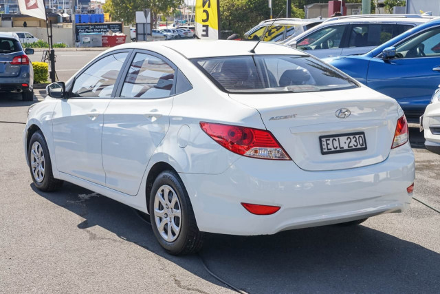2014 Hyundai Accent RB2 MY15 Active Sedan Image 2