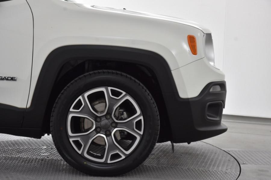 2015 Jeep Renegade BU Limited Hatchback Image 5