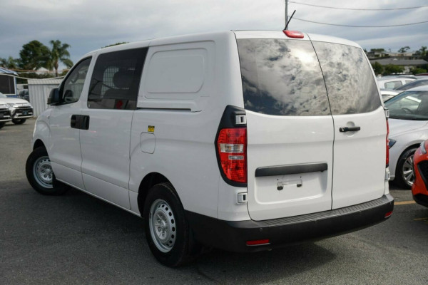 2016 Hyundai iLOAD TQ3-V Series II MY16 Van Image 3