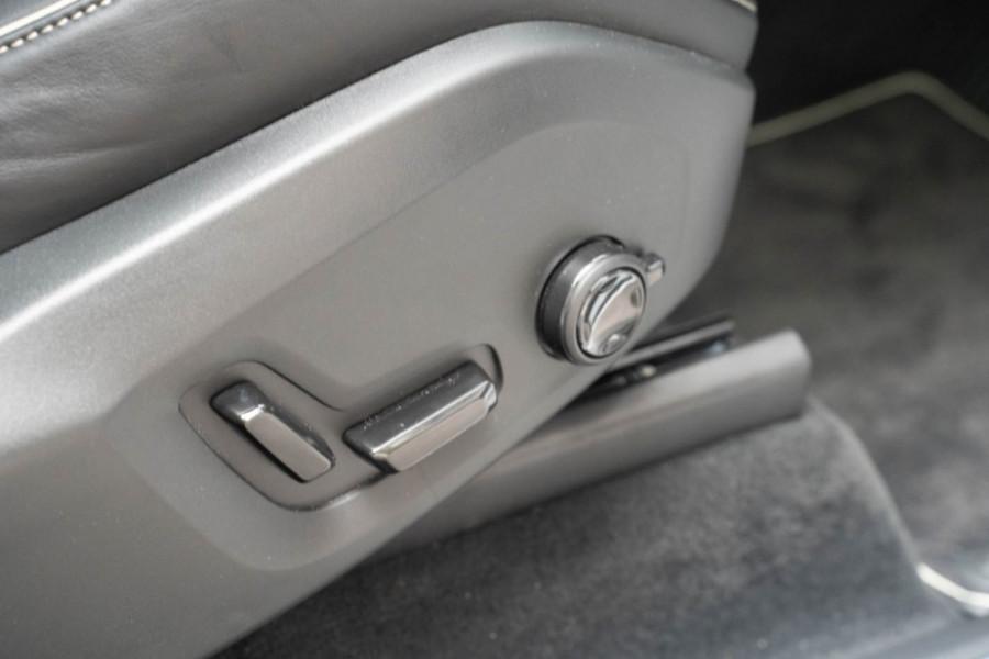 2020 Volvo XC90 L Series D5 R-Design Suv Image 18