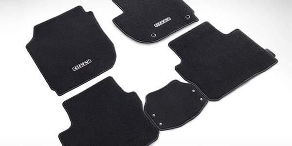 "<img src=""Deluxe Tailored Mat Set"