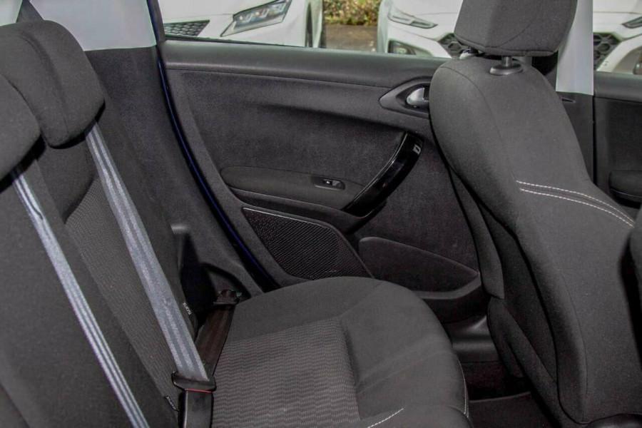 2015 MY16 Peugeot 208 MY16 Active Hatchback Image 7