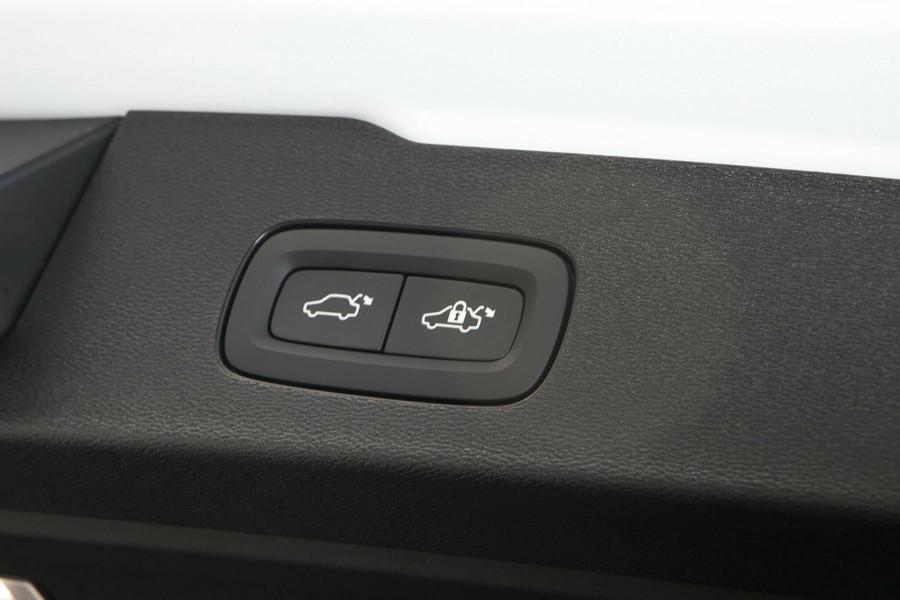 2019 MY20 Volvo V60 T5 R-Design T5 R-Design Wagon Mobile Image 18