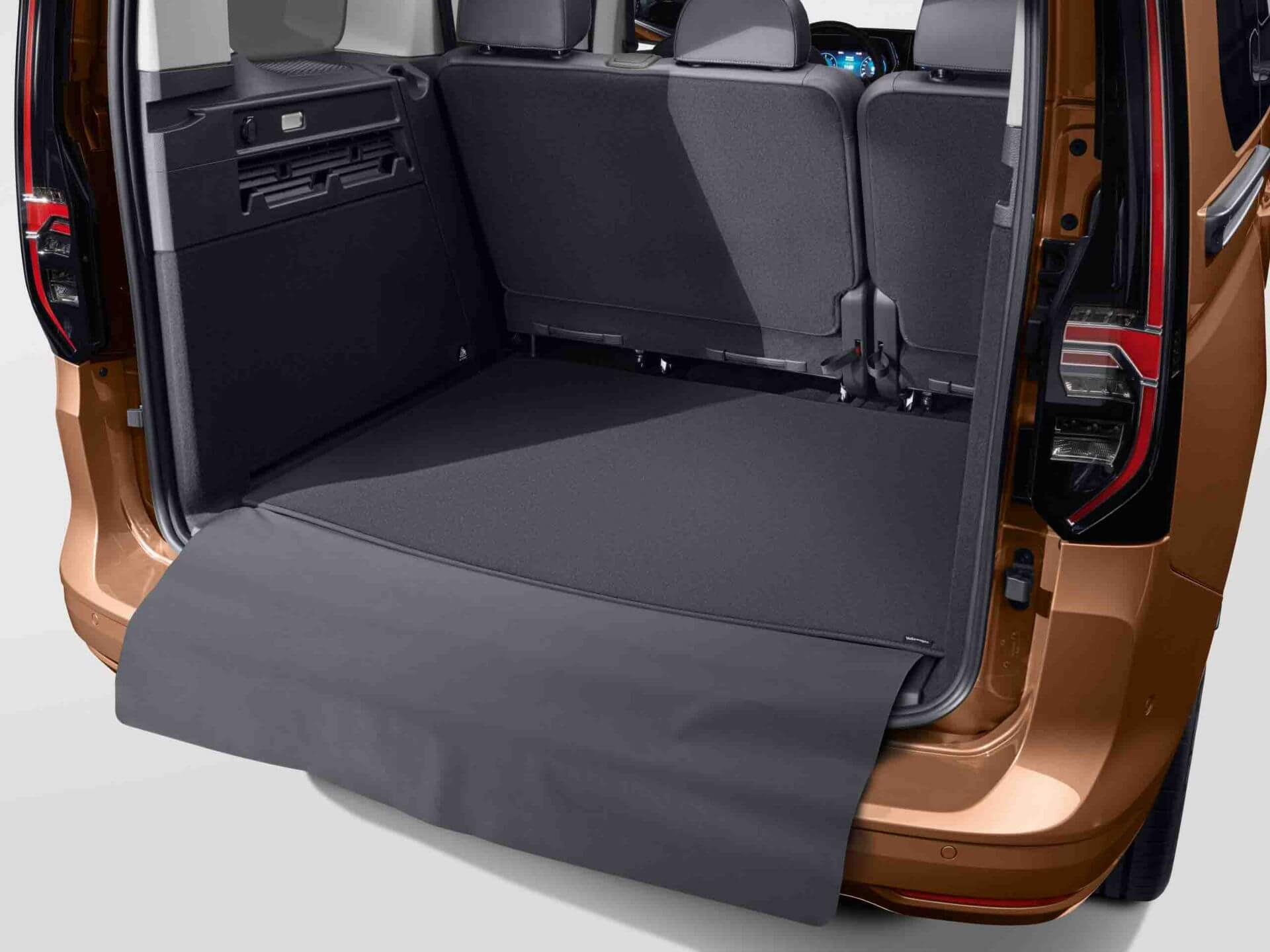 Luggage reversible floor covering