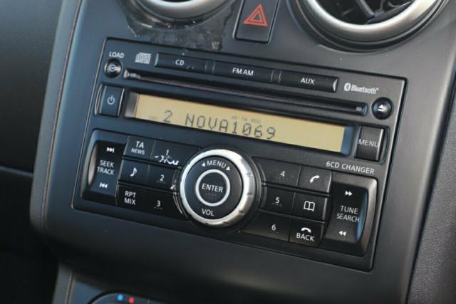 2011 MY10 Nissan Dualis J10 Series II MY2010 Ti Hatch X-tronic Hatchback Image 17