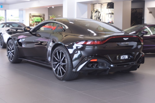 2018 MY19 Aston martin Vantage Coupe Image 3