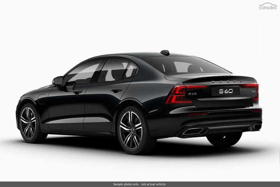 2019 MY20 Volvo S60 Z Series T8 R-Design Sedan Mobile Image 3
