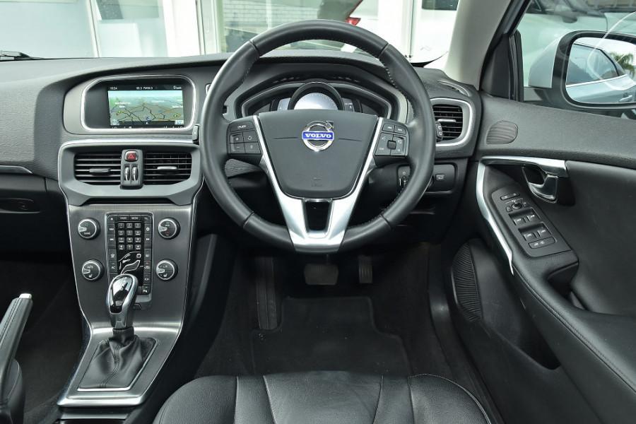 2013 Volvo V40 Hatchback