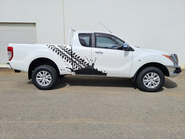 2014 Mazda Default UP0YF1 XTR Utility - extended cab Image 5