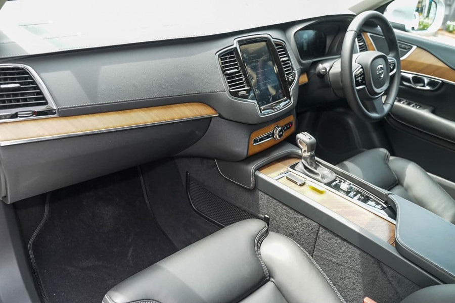 2019 Volvo XC90 L Series T6 Inscription Suv Image 5