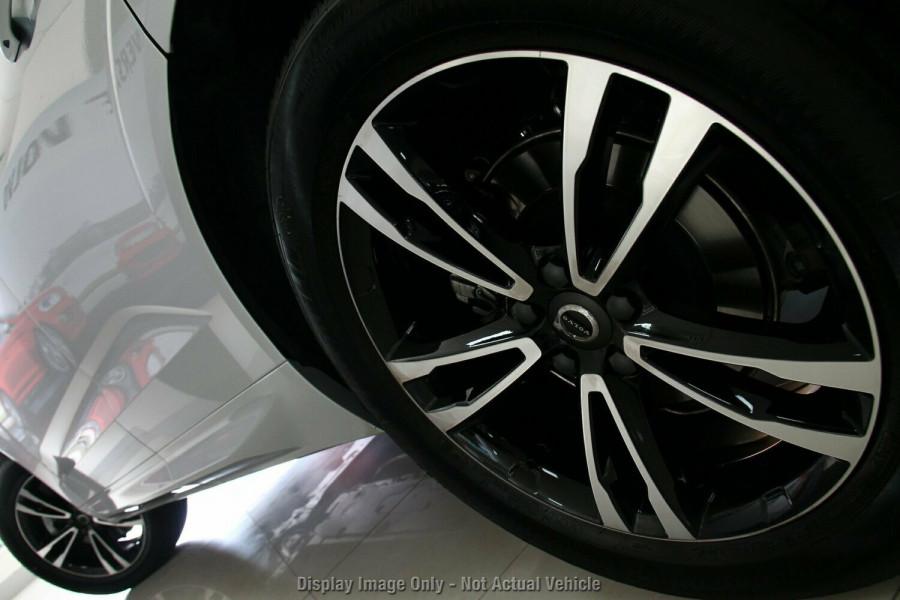 2018 MY19 Volvo XC60 UZ T5 Momentum Suv Mobile Image 4