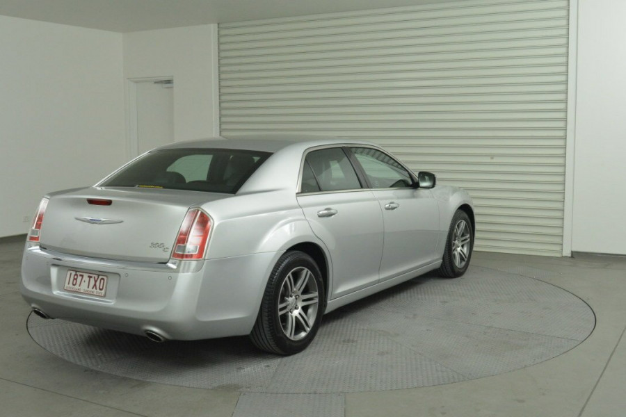 2013 Chrysler 300 LX C Sedan Mobile Image 8