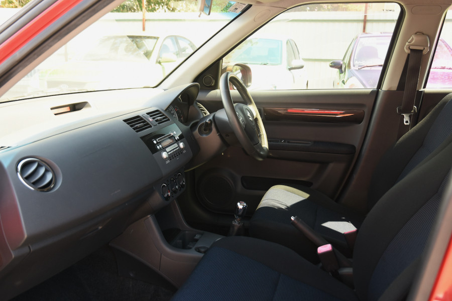 2006 Suzuki Swift RS415 RS415 Hatchback Image 6