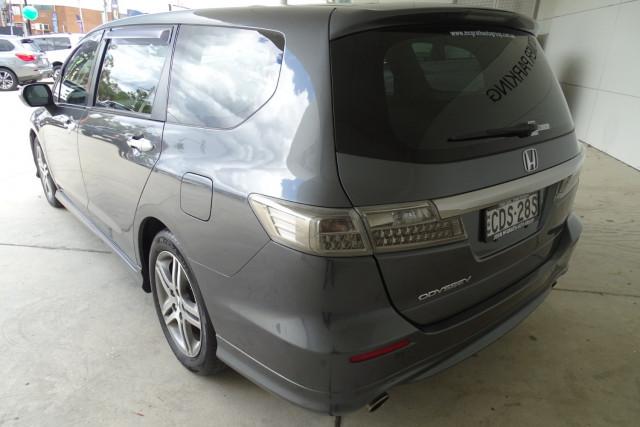 2011 Honda Odyssey Luxury 11 of 30