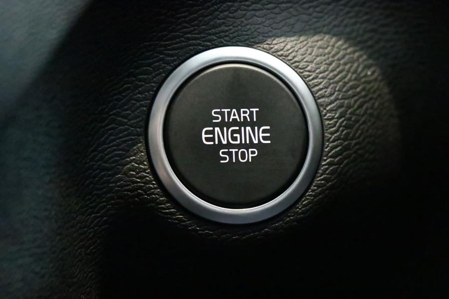 2021 Volvo XC40 XZ T5 Recharge PHEV Suv Image 9