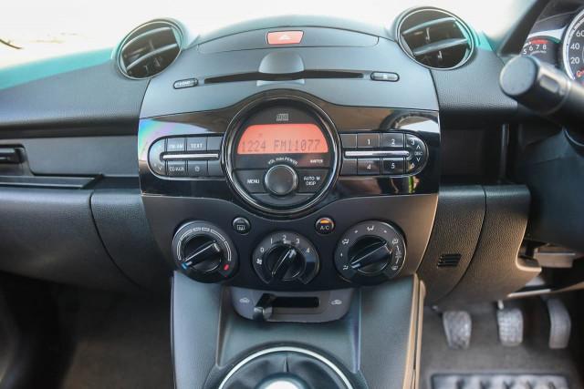 2011 Mazda 2 DE Series 1 MY10 Neo Hatchback Image 13