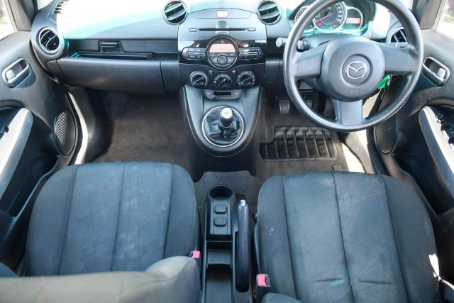 2011 Mazda 2 DE Series 1 MY10 Neo Hatchback Image 11
