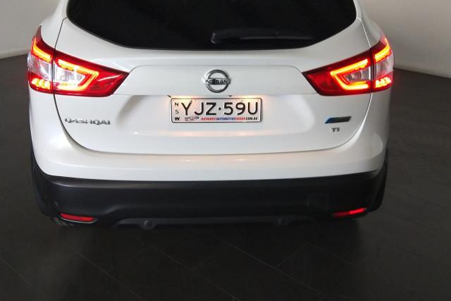 2015 Nissan QASHQAI J11 Ti Suv Image 4